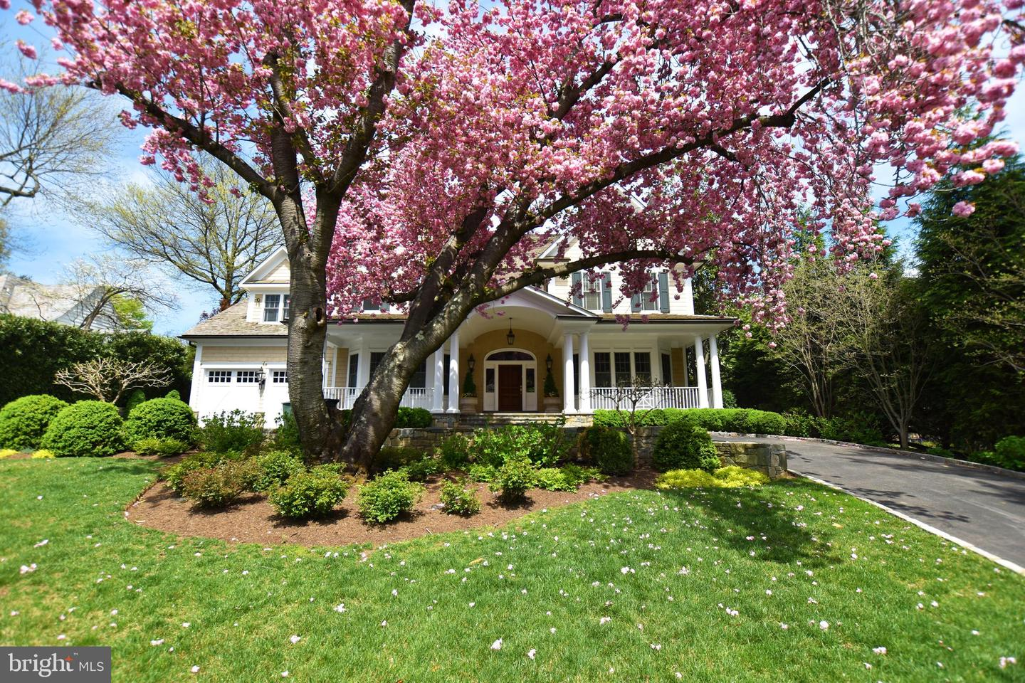 Single Family Homes for Sale at Bethesda, Maryland 20814 United States