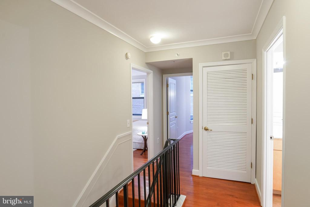 2nd Level Landing with Brand New Washer/Dryer! - 616 E ST NW #656, WASHINGTON