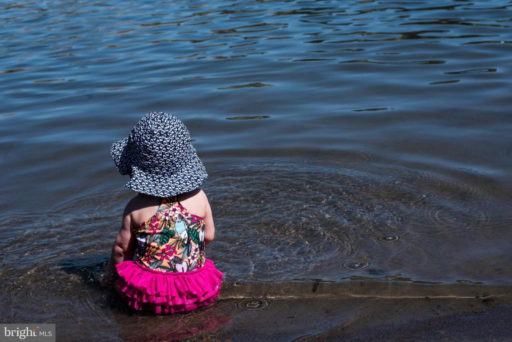 Even the little ones can enjoy the lake. - 6603 ACCIPITER DR, NEW MARKET