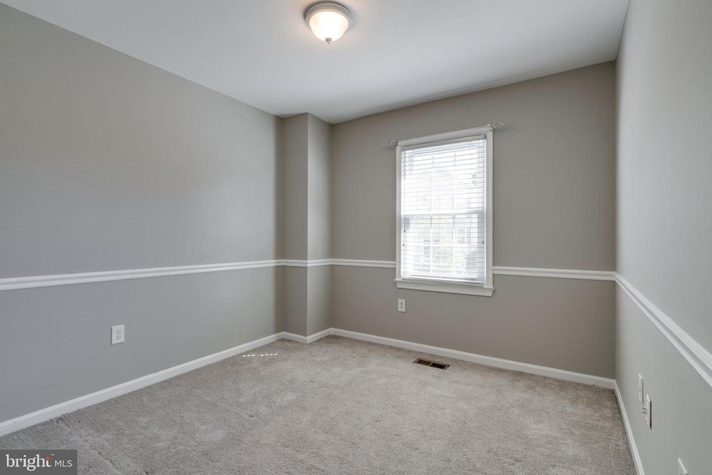 Freshly painted bedroom 2 - 8021 EDINBURGH DR, SPRINGFIELD