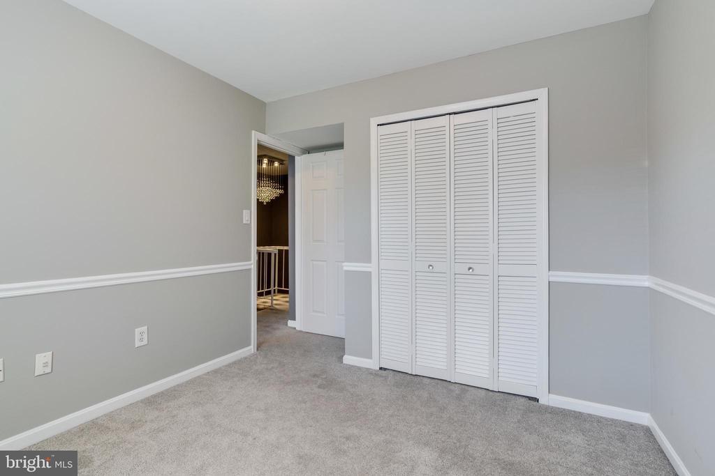 Freshly painted bedroom 3 - 8021 EDINBURGH DR, SPRINGFIELD