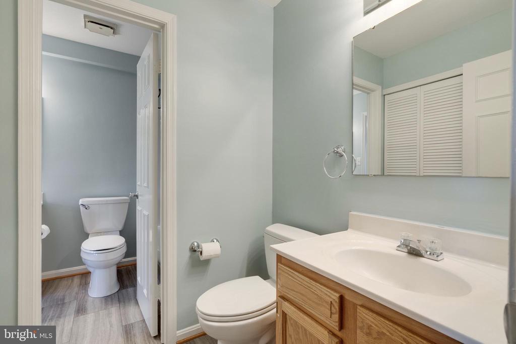 Bathroom renovations just completed - 8021 EDINBURGH DR, SPRINGFIELD