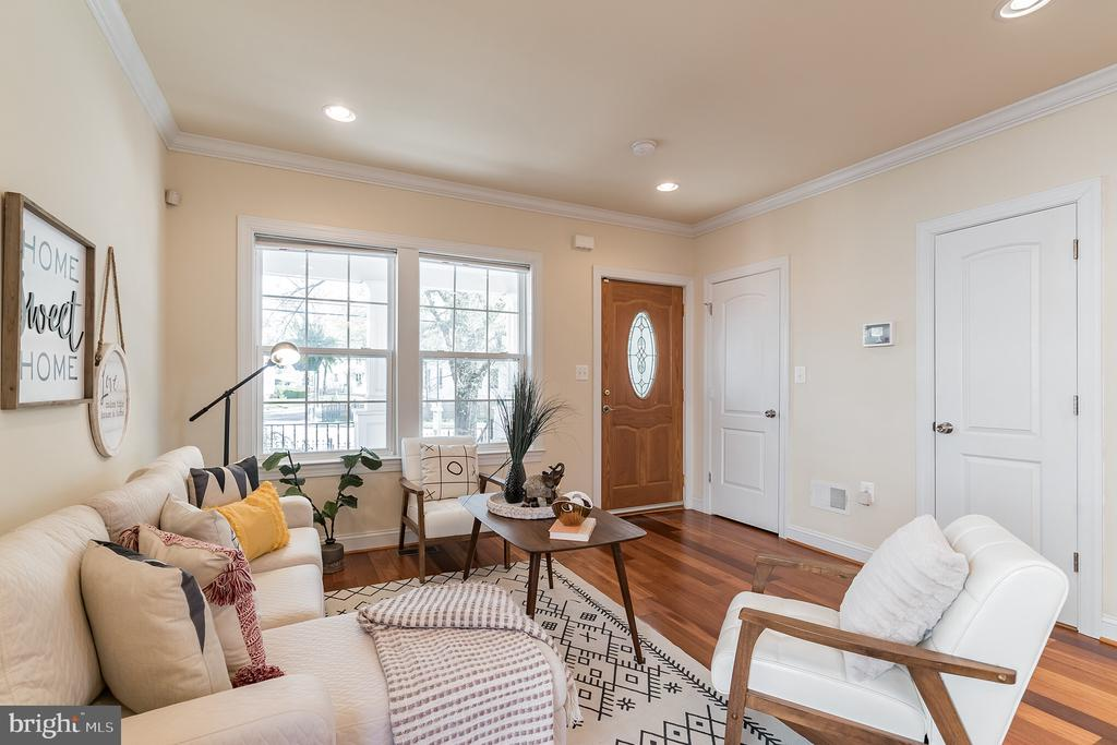 Wood floors throughout. - 3520 SOUTH DAKOTA AVE NE, WASHINGTON