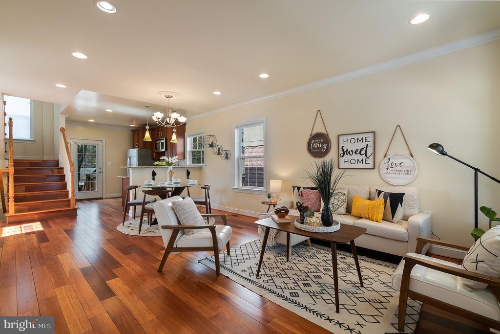 Spacious, open floor plan. - 3520 SOUTH DAKOTA AVE NE, WASHINGTON