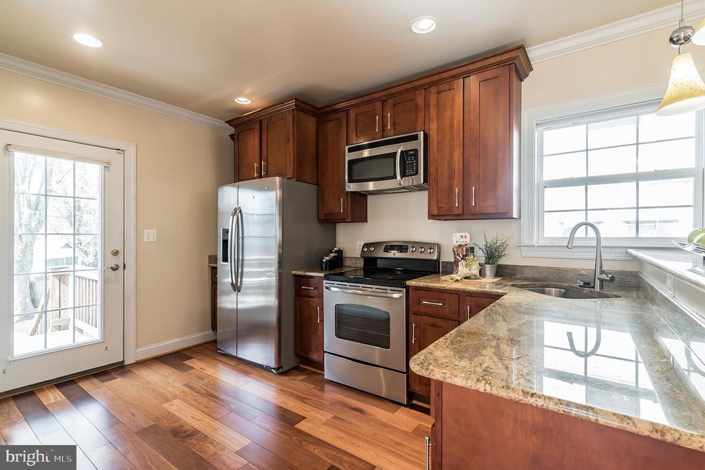 Modern, gourmet kitchen - 3520 SOUTH DAKOTA AVE NE, WASHINGTON