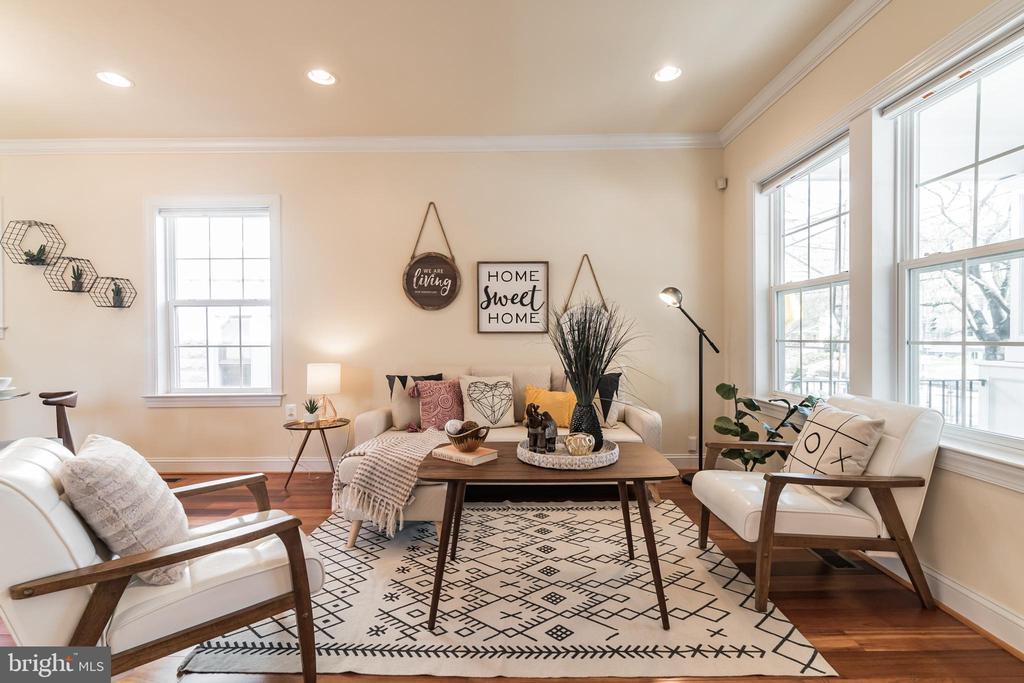 Sun-drenched Living Room - 3520 SOUTH DAKOTA AVE NE, WASHINGTON