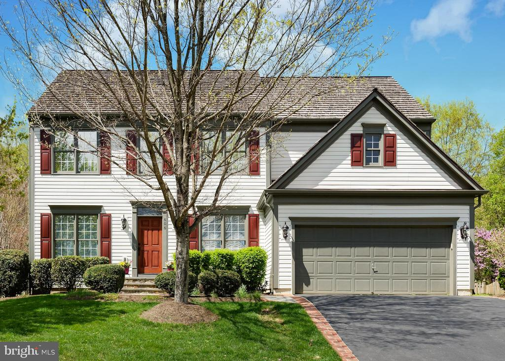 Welcome to 606 Diskin Place! - 606 DISKIN PL SW, LEESBURG