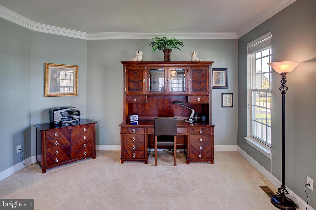 Living room (being used as another office) - 43137 BUTTERFLY WAY, LEESBURG