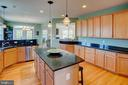 Cabinet and counter space! - 43137 BUTTERFLY WAY, LEESBURG