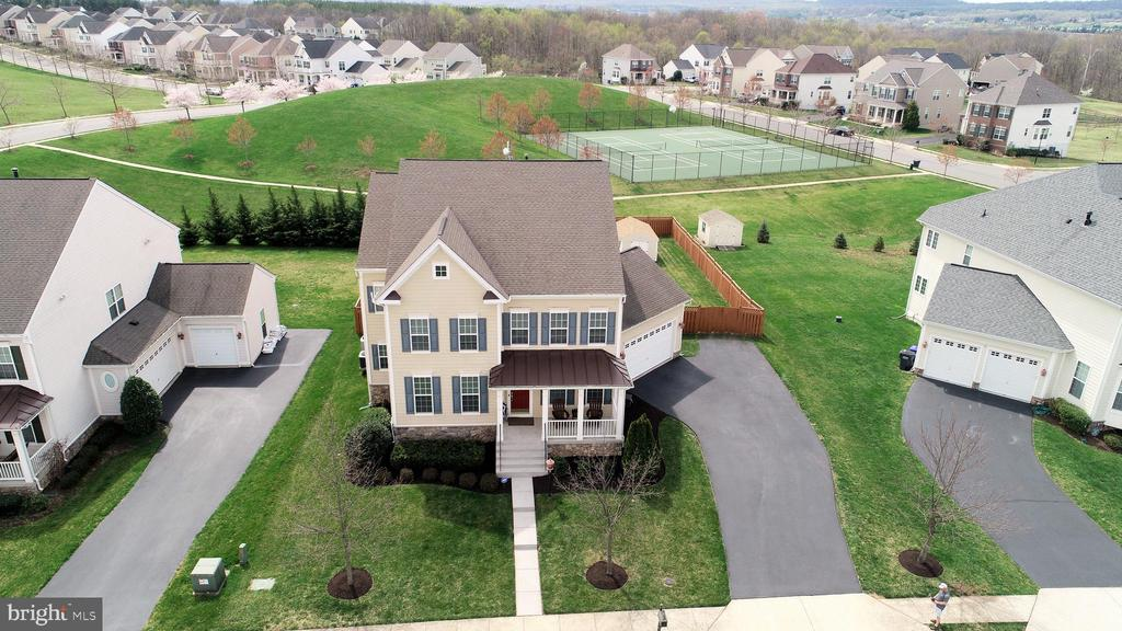 Near walking path and tennis court! - 43137 BUTTERFLY WAY, LEESBURG