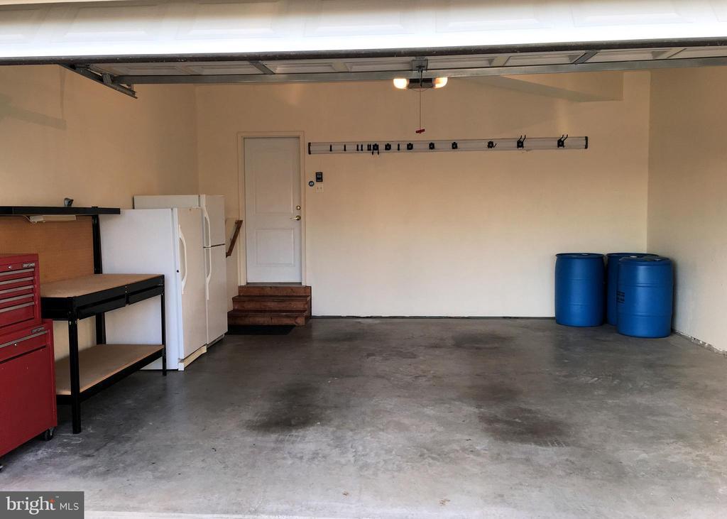 Inside the 2 car garage - 43137 BUTTERFLY WAY, LEESBURG