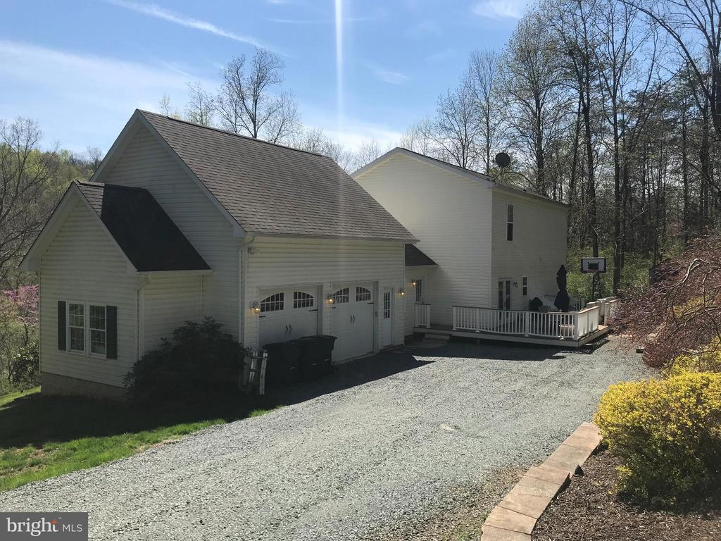 2 car garage and plenty of parking - 38834 LIME KILN RD, LEESBURG