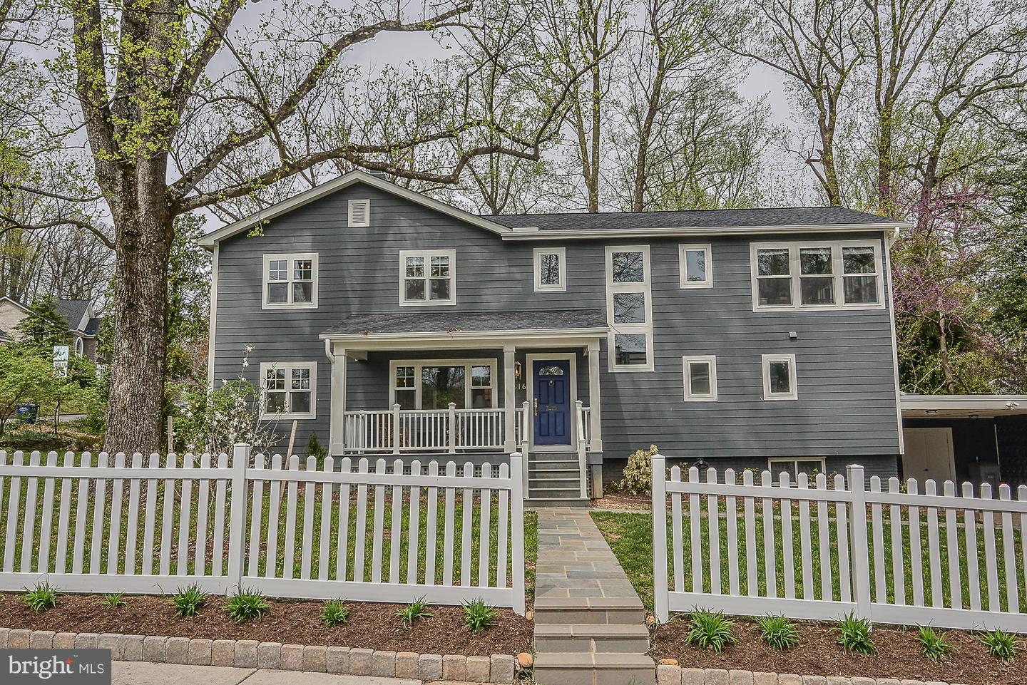 Single Family for Sale at 2616 West Street 2616 West Street Falls Church, Virginia 22046 United States