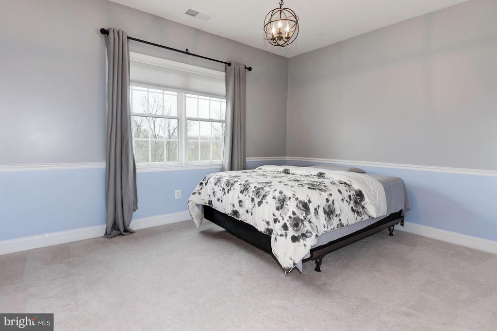 Bedroom 3 - 43341 BARNSTEAD DR, ASHBURN