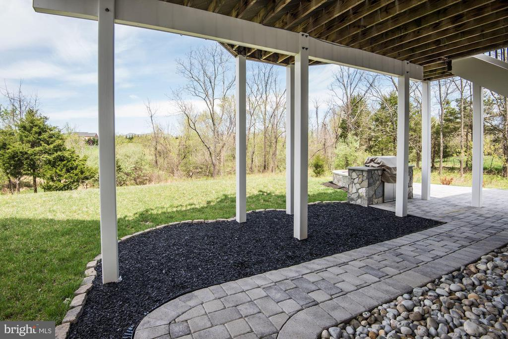 Patio under the Deck - 43341 BARNSTEAD DR, ASHBURN