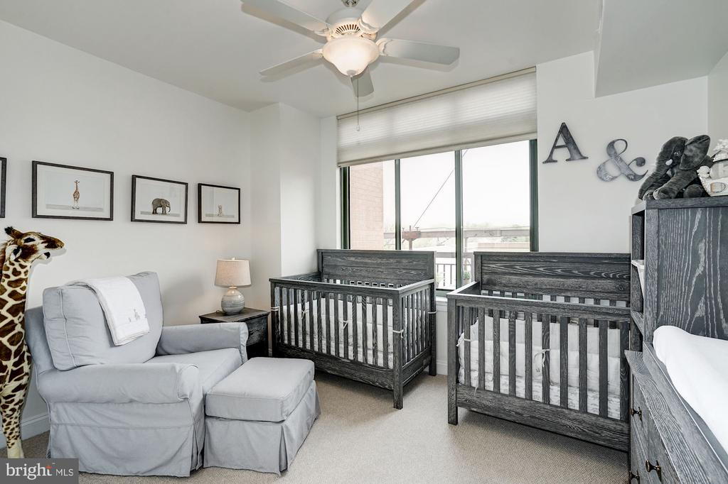 Second bedroom with great light - 3625 10TH ST N #602, ARLINGTON