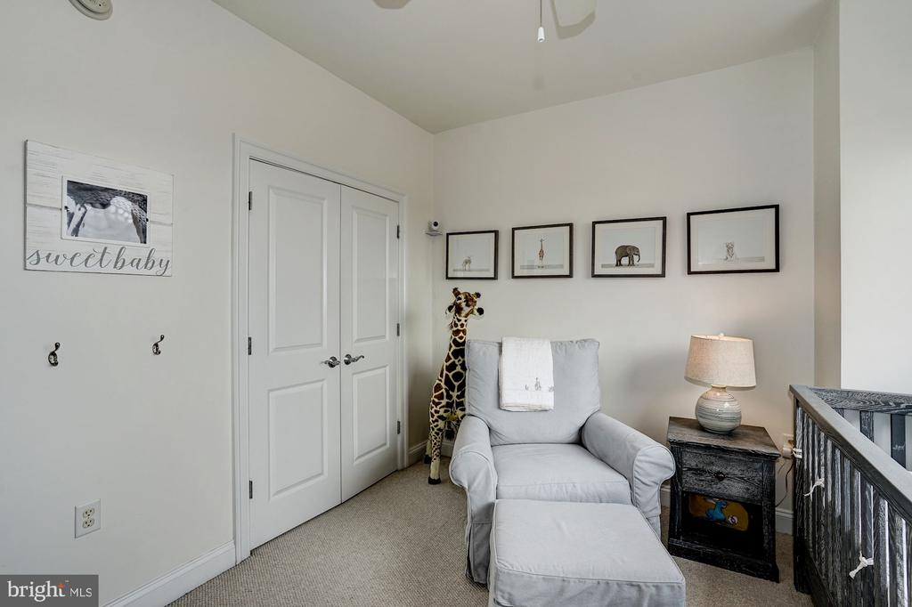 Second bedroom w/ceiling fan, large closet - 3625 10TH ST N #602, ARLINGTON