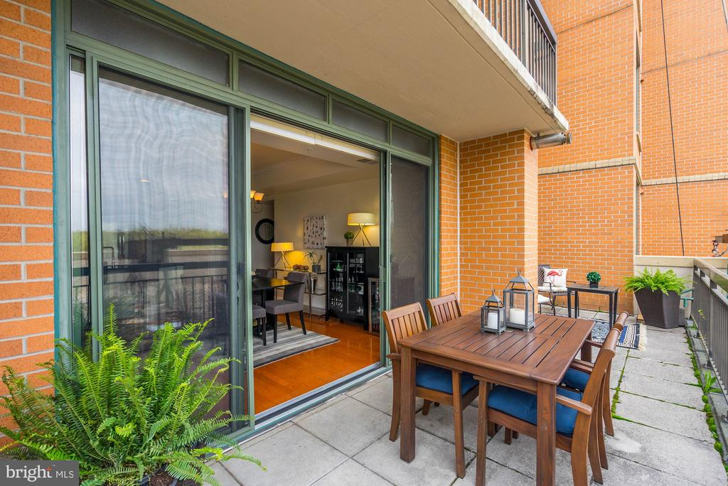 Plenty of planting potential on private terrace - 3625 10TH ST N #602, ARLINGTON
