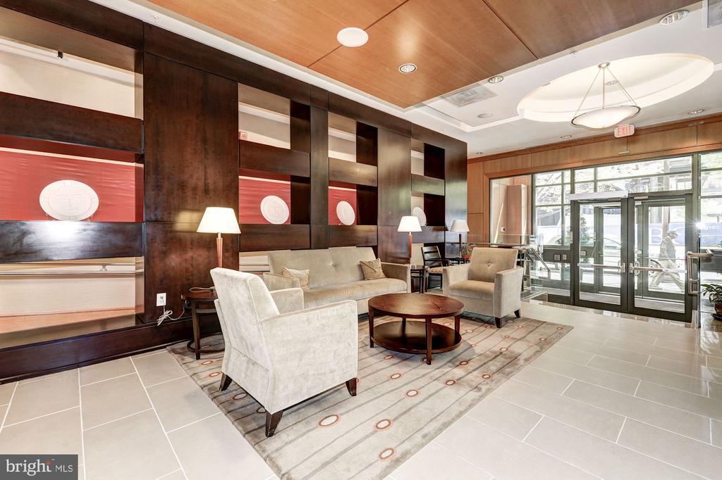 Elegant building lobby - 3625 10TH ST N #602, ARLINGTON