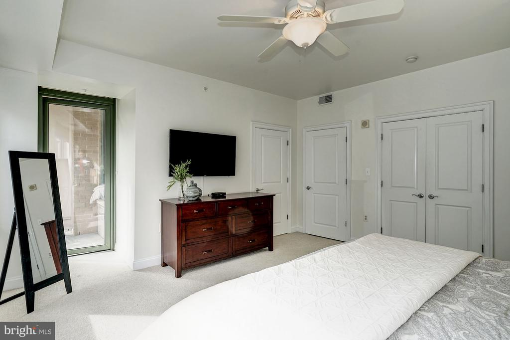 Master bedroom with private balcony - 3625 10TH ST N #602, ARLINGTON