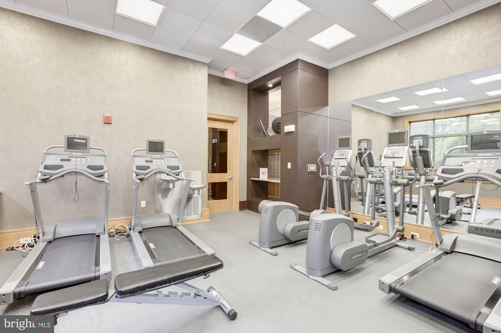 Well-equipped exercise room - 3625 10TH ST N #602, ARLINGTON