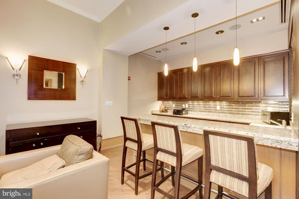 Super party room for large-scale entertaining - 3625 10TH ST N #602, ARLINGTON
