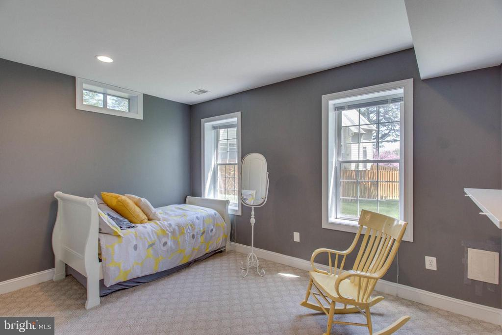 Lower Level - Bedroom - 8506 FOREST ST, ANNANDALE