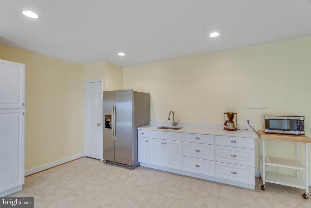 Lower Level Kitchenette - 8506 FOREST ST, ANNANDALE