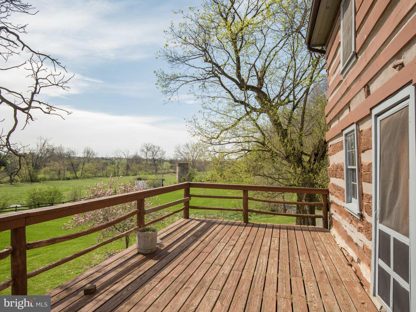 Additional photo for property listing at 841 Shady Creek Rd Clear Brook, Virginia 22624 United States