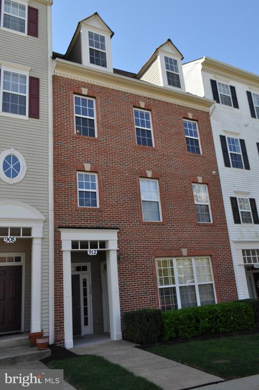 912  ORCHARD RIDGE DRIVE  200, Gaithersburg, Maryland