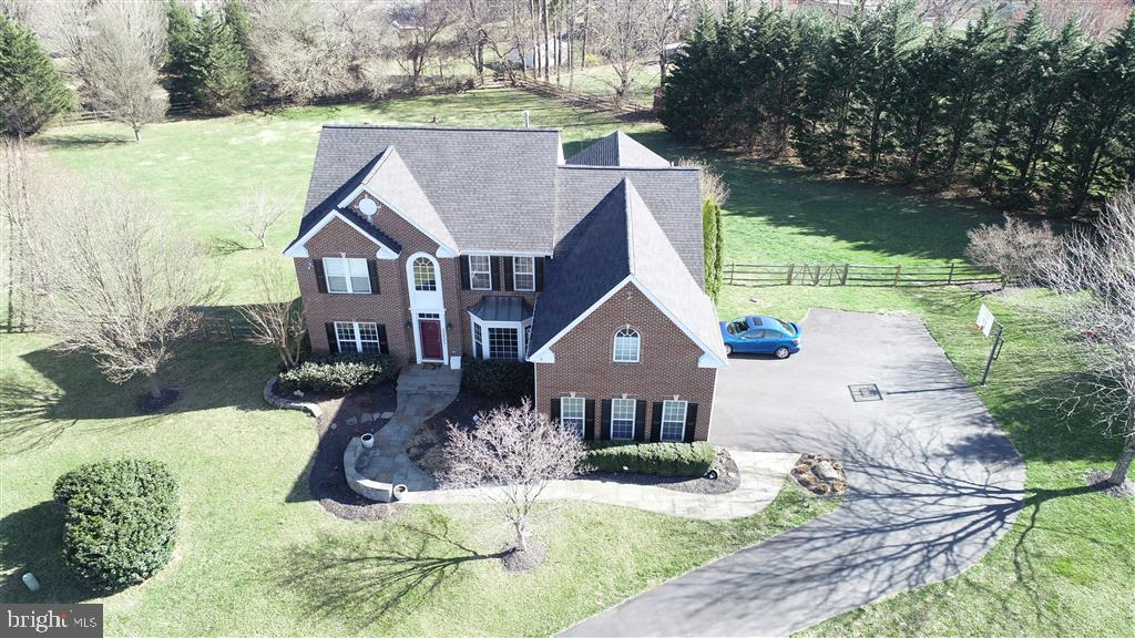 23605  WHITE PEACH COURT, Gaithersburg, Maryland