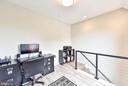 Den/Office area upstairs with walkout patio - 911 2ND ST NE #503, WASHINGTON