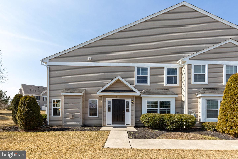 Photo of home for sale at 2107 Lexington Mews Drive, Swedesboro NJ