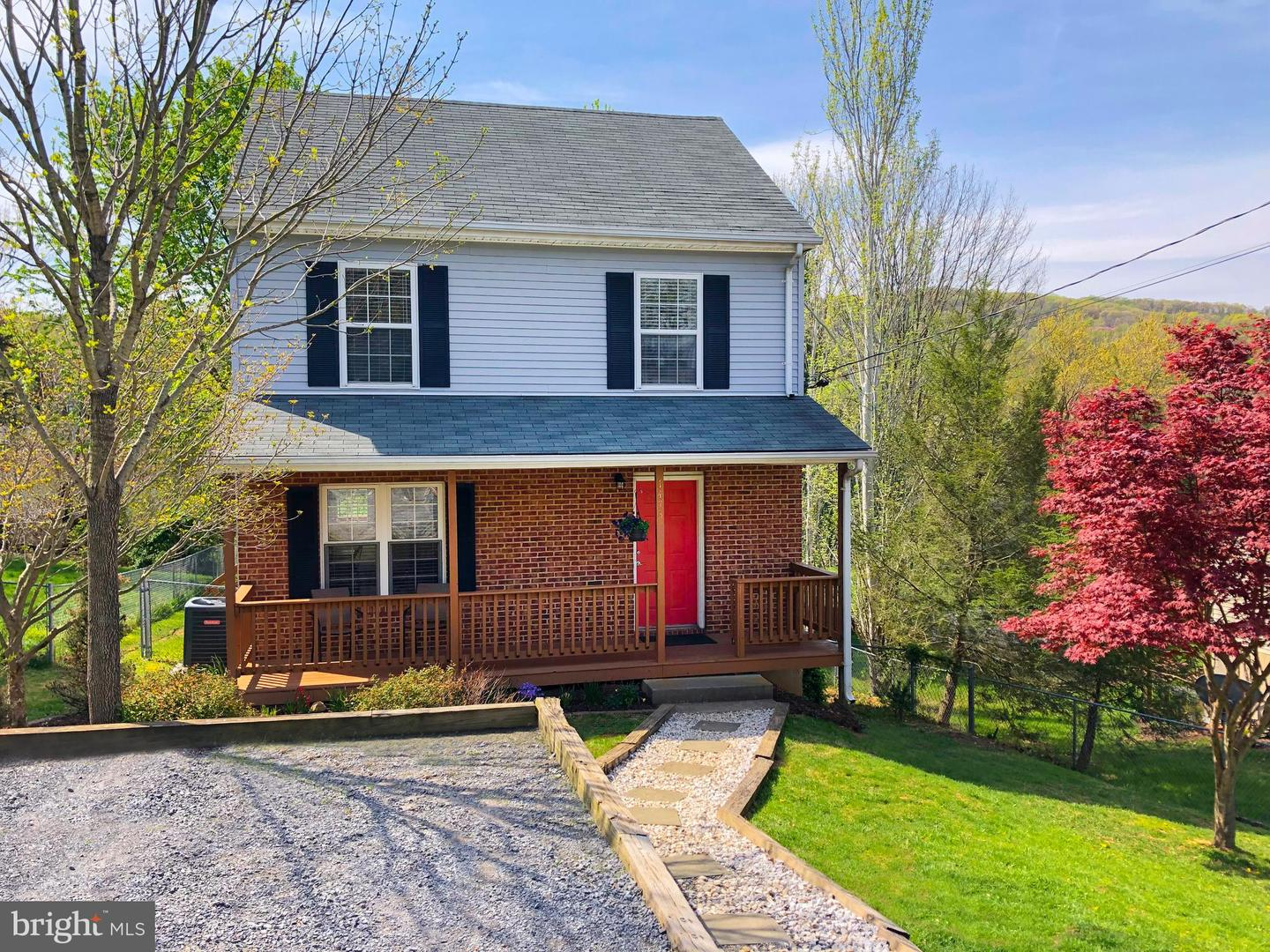 Single Family for Sale at 1473 Linden St Front Royal, Virginia 22630 United States