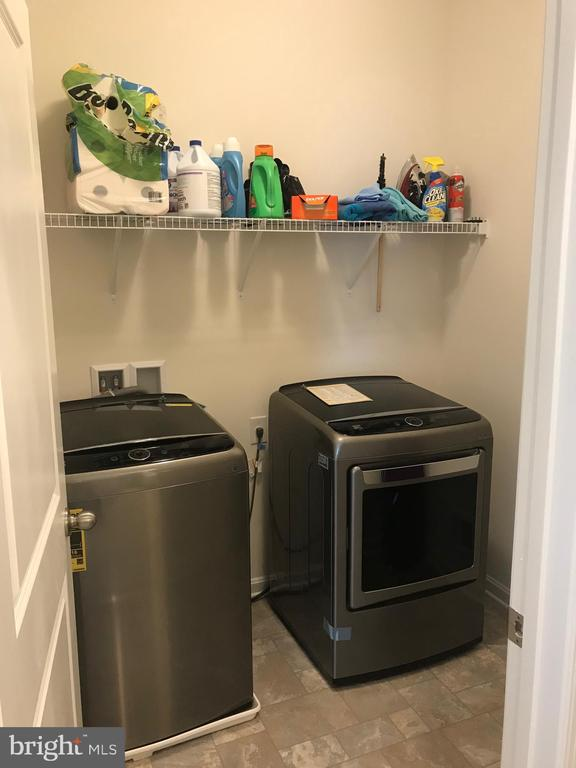 Upstairs Laundry room - 34 CLEAR SPRING LN, FREDERICKSBURG