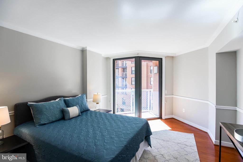 Large, Light-filled Master Suite. - 616 E ST NW #656, WASHINGTON
