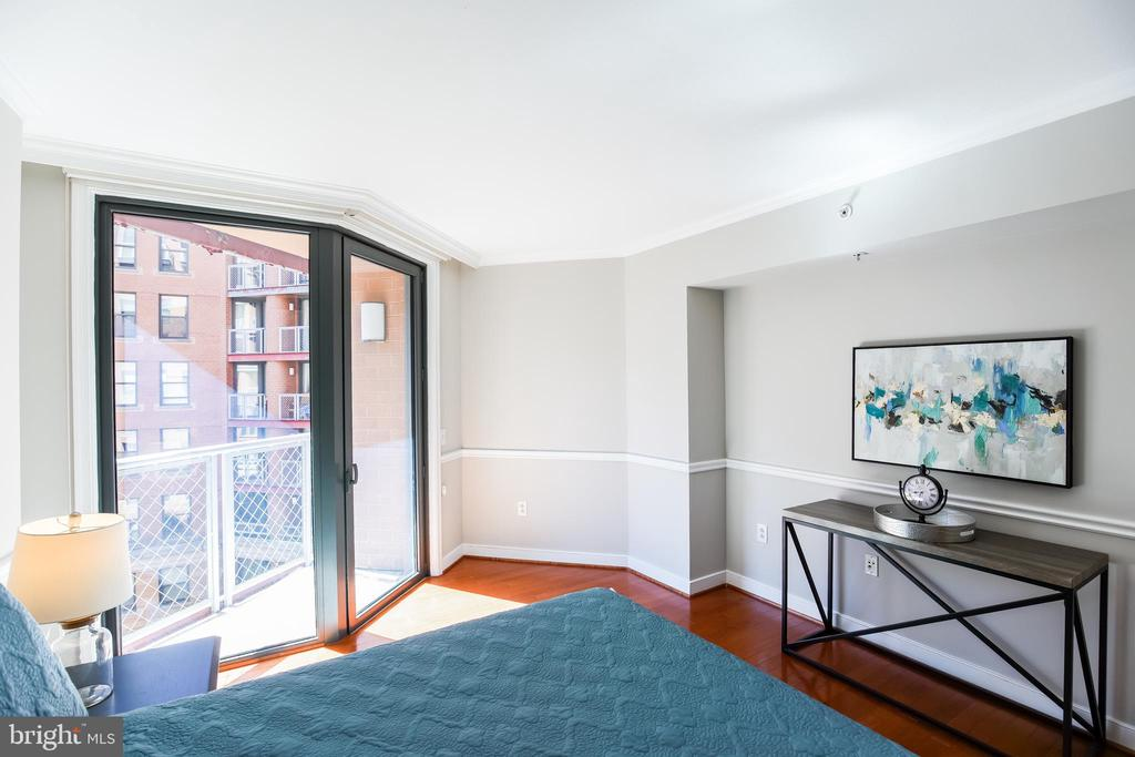 Master Suite with Juliette Balcony. - 616 E ST NW #656, WASHINGTON