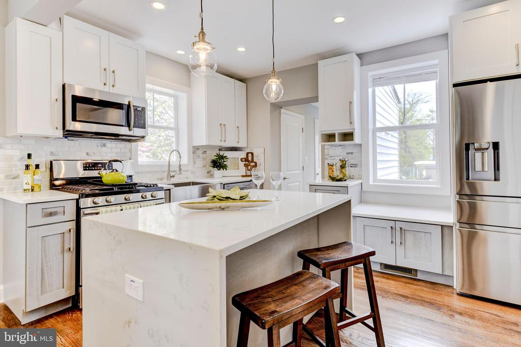 kitchen w waterfall island - 4419 19TH PL NE, WASHINGTON