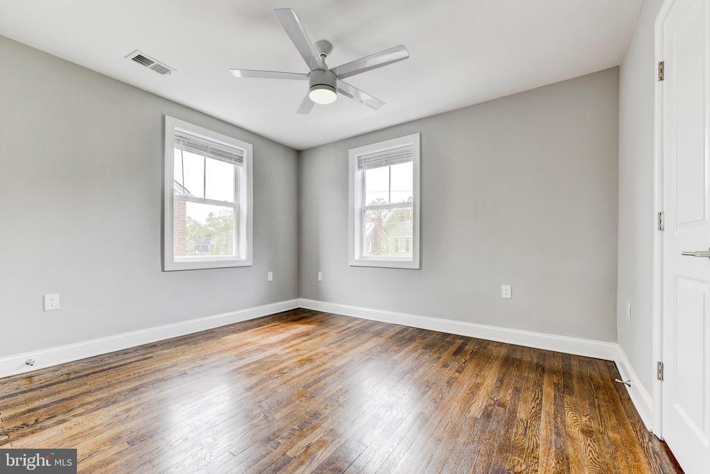 bedroom 3 upstairs - 4419 19TH PL NE, WASHINGTON