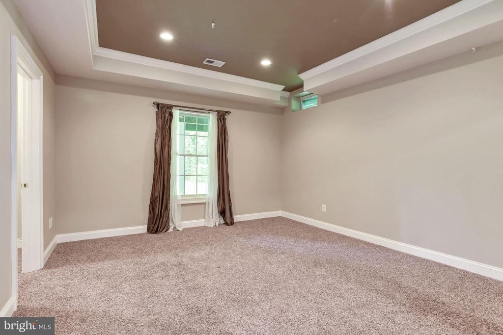 5th Bedroom with coffered Ceiling - 1211 RESTON AVE, HERNDON