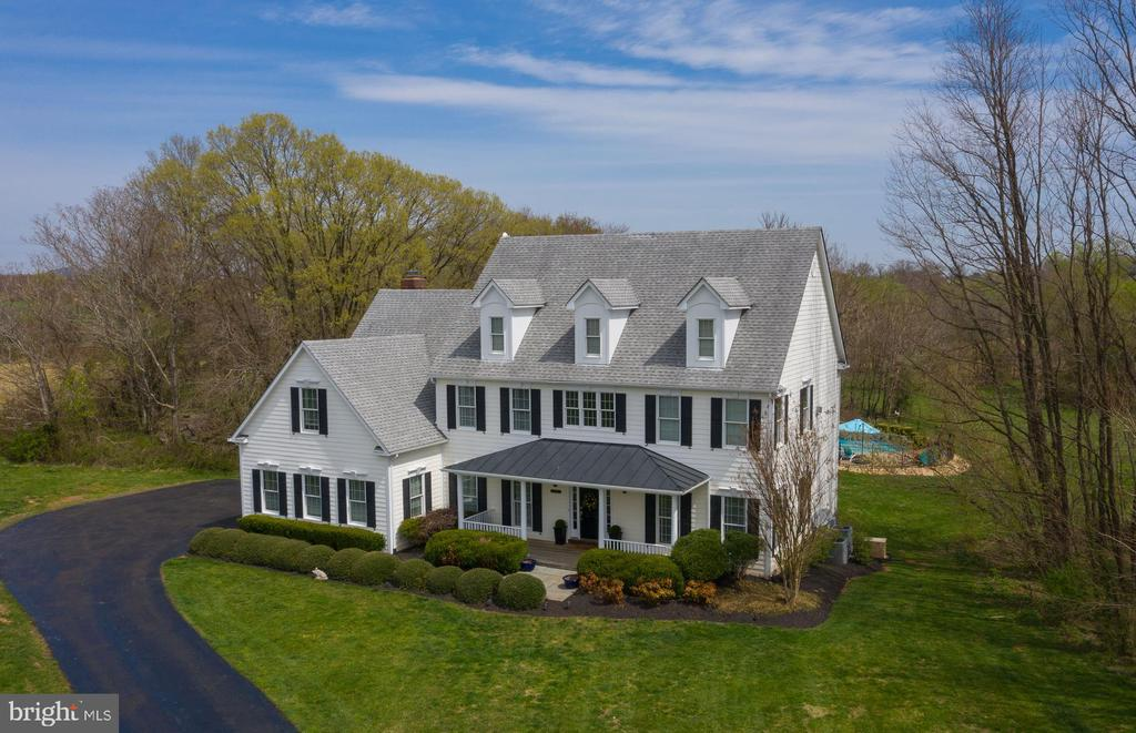 Exceptional  Country Residence with Pool! - 14974 MERRITT FARM LN, LEESBURG