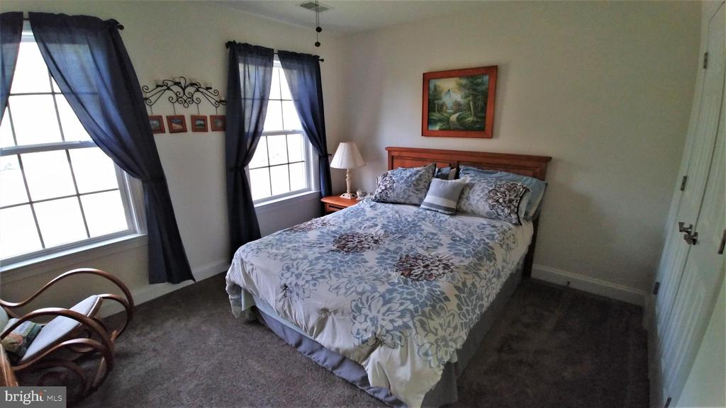 All bedrooms are spacious - 53 SENTRY CT, STAFFORD