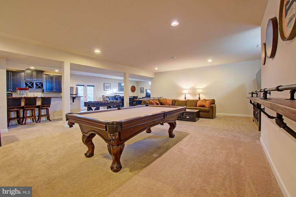 Lower level billiards area - 39561 CHARLES HENRY PL, WATERFORD