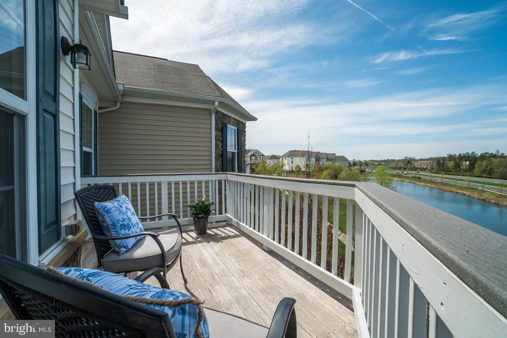 Deck off Master - 42442 GREAT HERON SQ, BRAMBLETON