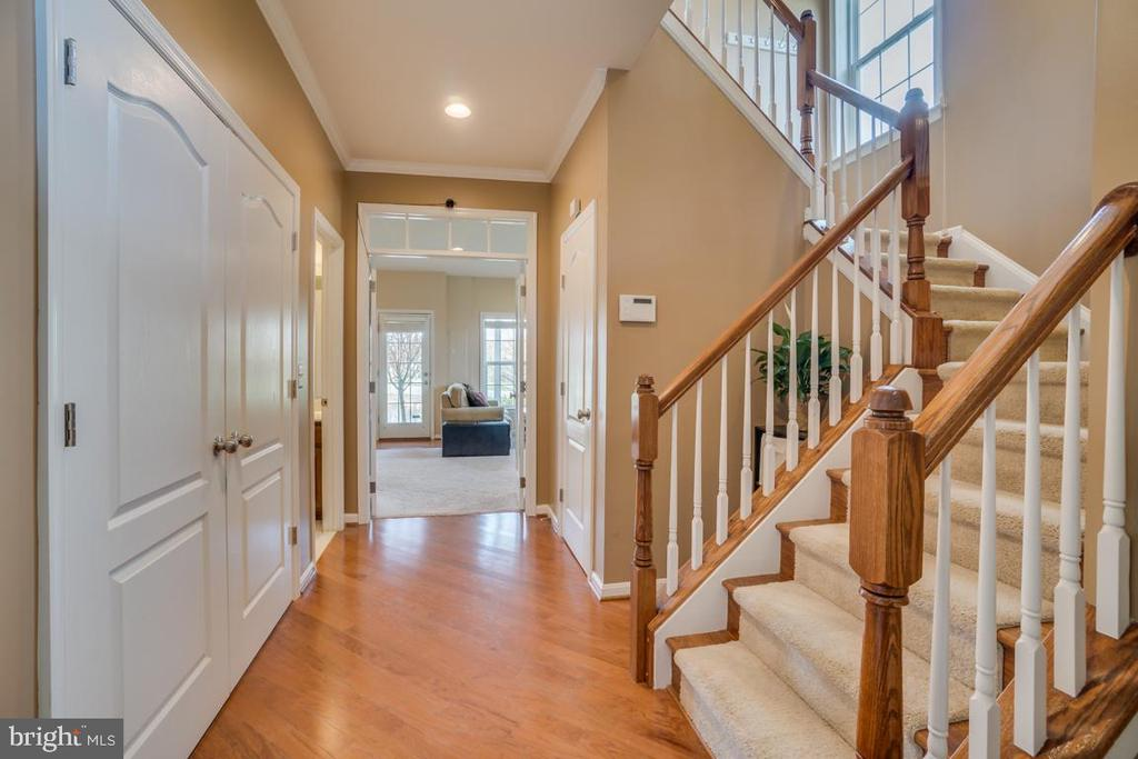 Foyer - 42442 GREAT HERON SQ, BRAMBLETON