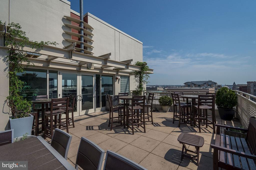 Community Rooftop Deck with Great Views! - 715 6TH ST NW #205, WASHINGTON
