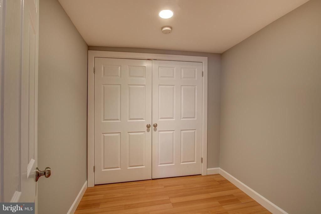 Extra room in basement - 3611 22ND ST N, ARLINGTON