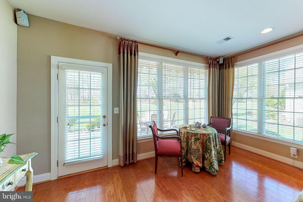Bump out w/door to patio*Perfect for sipping tea! - 5242 ARMOUR CT, HAYMARKET
