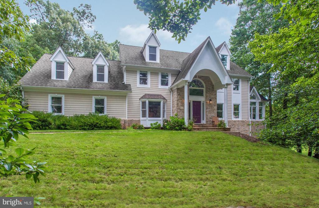 Welcome Home!  Over 5500 sq ft in this beauty. - 3169 MARY ETTA LN, OAK HILL