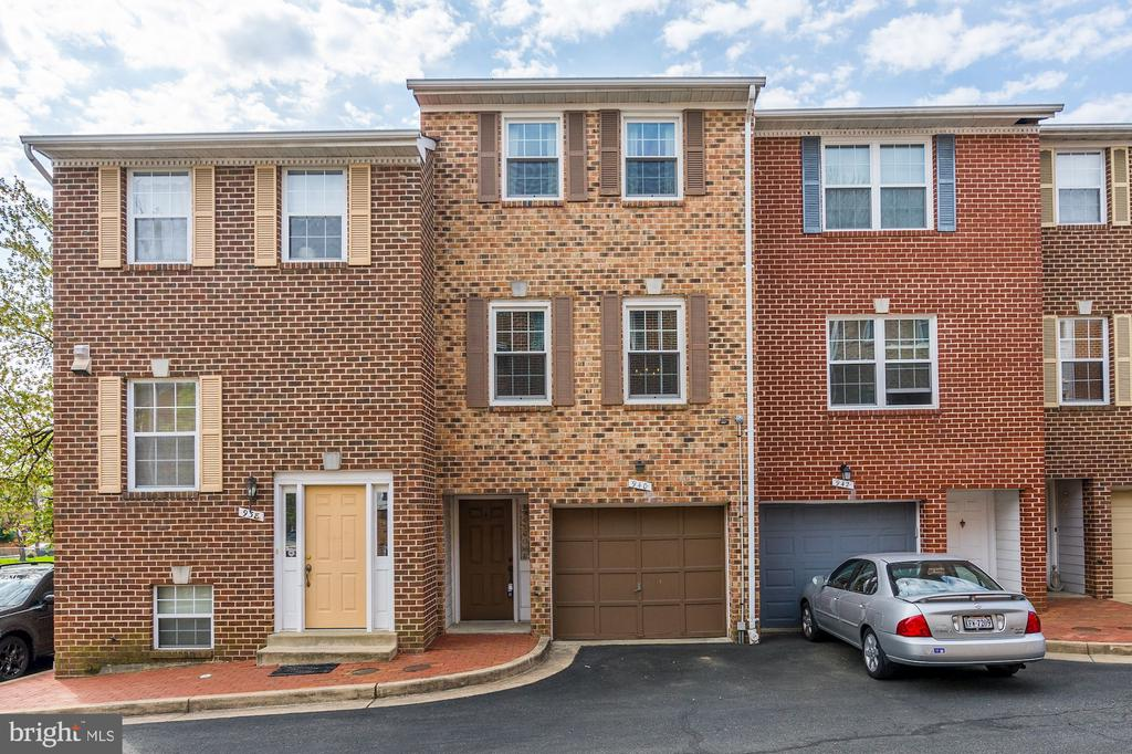 940 S ROLFE STREET 22204 - One of Arlington Homes for Sale